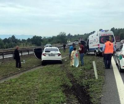 Otomobil önce ambulansa ardından çekiciye çarptı: 3 yaralı