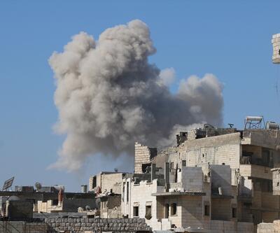 Rus uçakları İdlib'i bombaladı: 25 sivil hayatını kaybetti!
