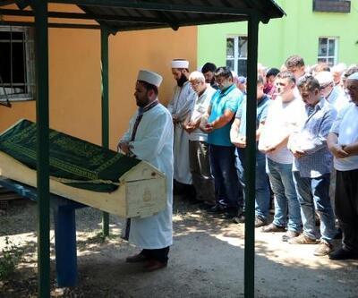 Ayı saldırısında ölen köylü toprağa verildi