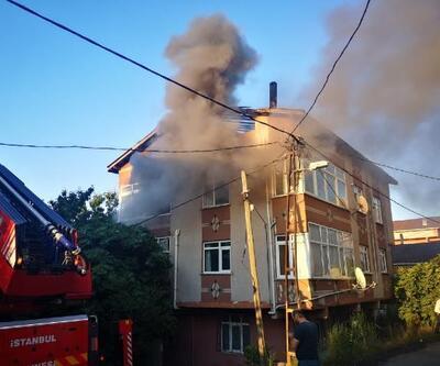 Ümraniye'de çatısı yanan binada 3 saat sonra tekrar yangın çıktı
