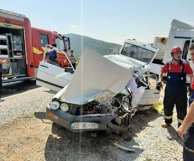 TIR'la çarpışan otomobildeki çift yaşamını yitirdi