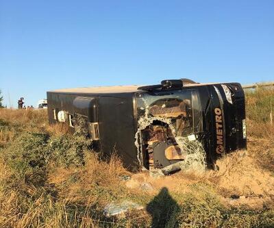 Yolcu otobüsü şarampole devrildi: 13 yaralı