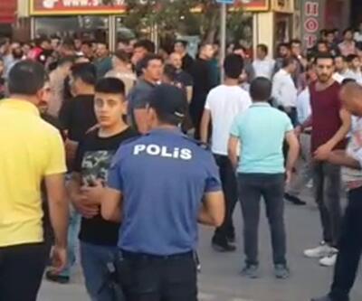 Ortalık savaş alanına döndü! Polis yabancı uyruklu kişileri zor kurtardı