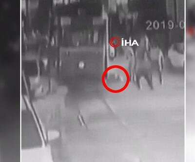 Kadıköy'de kadınıntramvayın altında kaldığı anlar kamerada