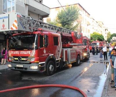 Gaziosmapaşa'da çatı yangını