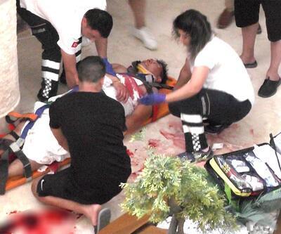 Balayındaki Kazak turist, beton zemine düştü