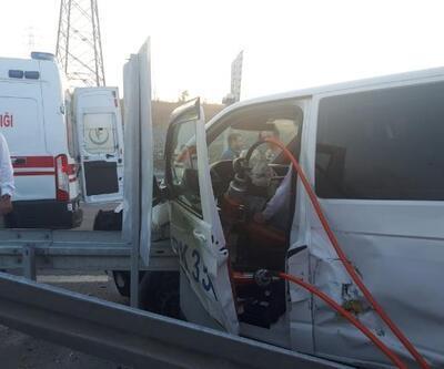 Sultangazi'de İETT otobüsü minibüse çarptı: 1'i ağır, 6 yaralı
