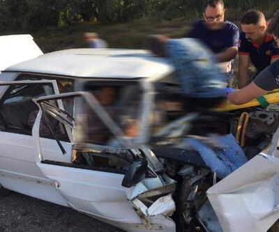 Çanakkale'de iki otomobil çarpıştı: 2 ölü, 2 yaralı