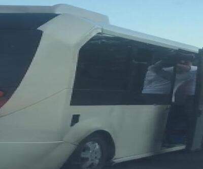 Esenler'de minibüs'te tehlikeli yolculuk kamerada