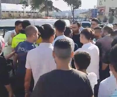 Polisler zor ayırdı! Mahalleliyle yabancı uyruklu kişiler arasında kavga