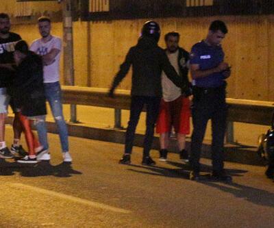 Kontrolden çıkan motosiklet bariyerlere çarptı: 2 ağır yaralı