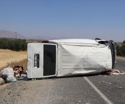 Lice'de minibüs devrildi: 7 yaralı