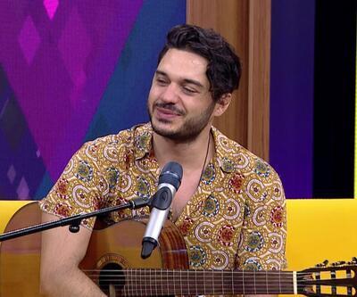 Şarkıcı İlyas Yalçıntaş ile müzikli bayram sohbeti Afiş'te ekrana geldi