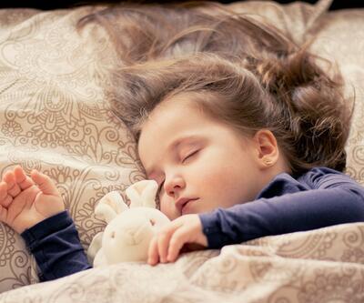 Yaz tatilinde çocuklarda uykusuzluk ve obezite riskine dikkat