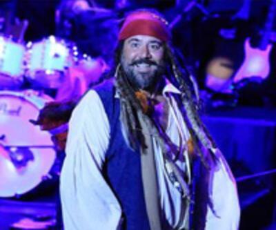 Ata Demirer 'Jack Sparrow' oldu
