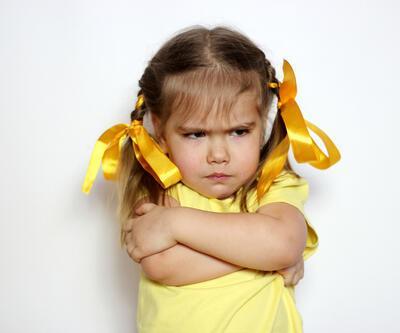 Ebeveynler inatlaşan çocuğa nasıl davranmalı?