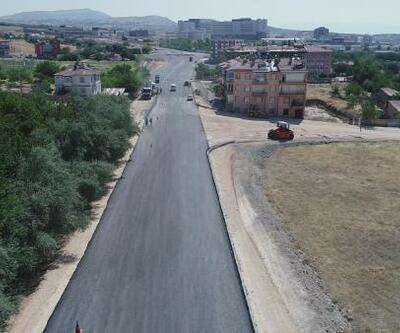 Elazığ'da asfalt serim çalışmaları sürüyor