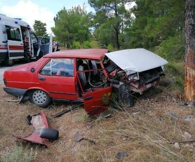 Ağaca çarpan otomobildeki anne- kız ağır yaralandı