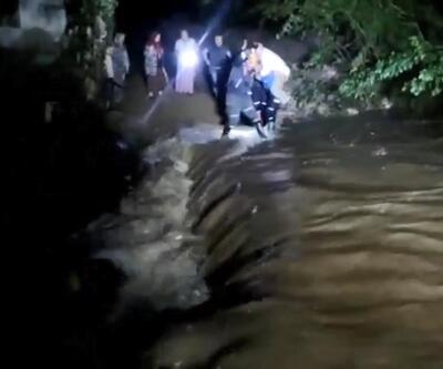 Çöken köprüde mahsur kalan ailenin imdadına AFAD yetişti