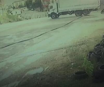 Sultanbeyli'de kamyonunun motosikletteki iki kişiyi ezme anı kamerada