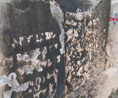 2 bin yıllık kitabe spreyle boyandı