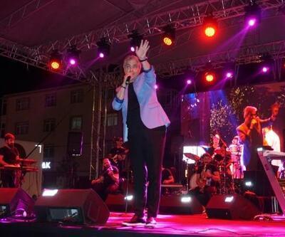 Cengiz Kurtoğlu, Marmaraereğlisi'nde sahne aldı