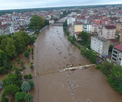 Samsun'da şiddetli sağanak! 500 işçi tahliye edildi!
