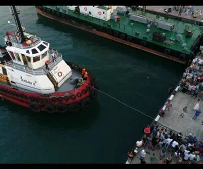 200 tonluk tekneyi parmağıyla çekti