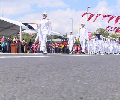 Resmi tören Vatan Caddesi'nde düzenlendi