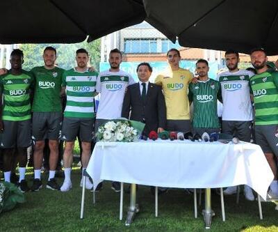 Bursaspor, 8 oyuncu ile sözleşme imzaladı