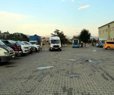 Yüksekova'da kaya parçalarının isabet ettiği2 işçi yaralandı