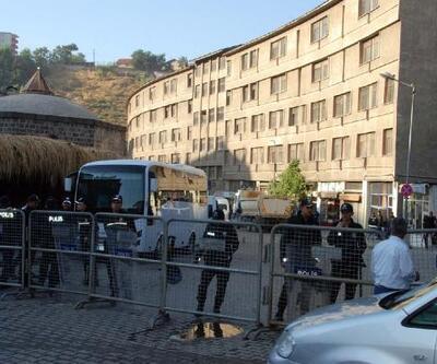 Bitlis'te dere üzerindeki işyerleri boşaltıldı