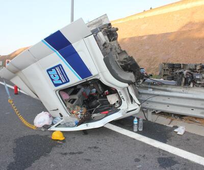 Kuzey Marmara Otoyolu'nda feci kaza: TIR ile kamyon çarpıştı: 2 yaralı