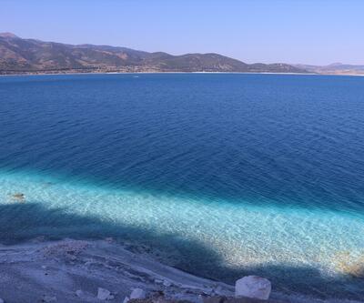 Salda Gölü'ne yoğun ilgi!  Ziyaretçi sayısı 800 binin üzerine çıktı