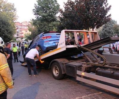 Güngören'de otomobil doğalgaz kutusuna çarptı