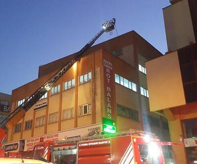 İstanbul'daki iş merkezinde korkutan yangın!