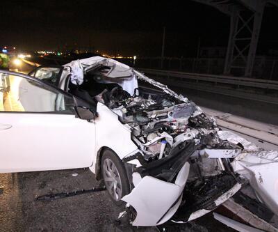 Kocaeli'de feci kaza... TIR'ın altına giren otomobilde can pazarı