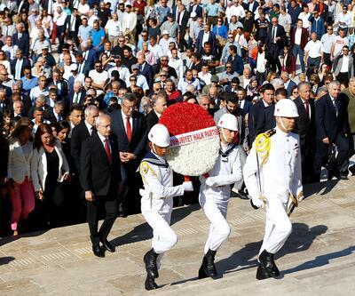 CHP'nin kuruluşunun 96. yıl dönümü... Kılıçdaroğlu'ndan Anıtkabir'e ziyaret