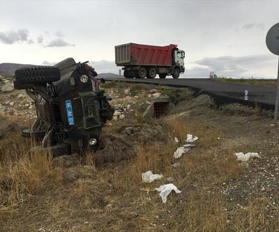Ağrı'da askeri araç şarampole devrildi: 3 yaralı