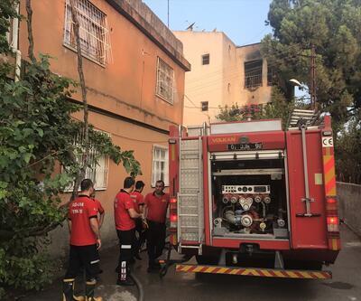 Üç  kişiyi öldüren zanlının evi kundaklandı