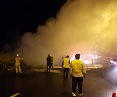Yer: Kuzey Marmara Otoyolu! TIR'ın dorsesi alev alev yandı