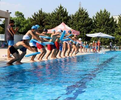 Mersin'de 3 bin 76 kişi yüzme eğitimi aldı