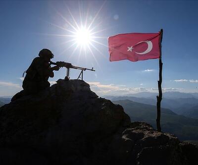 Habur'da 4'ü kadın 6 PKK'lı teslim oldu