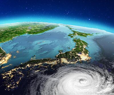 Japonya'da yine tayfun alarmı: 270 uçuş iptal edildi