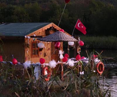 Riva Deresi'nin yüzen evi!