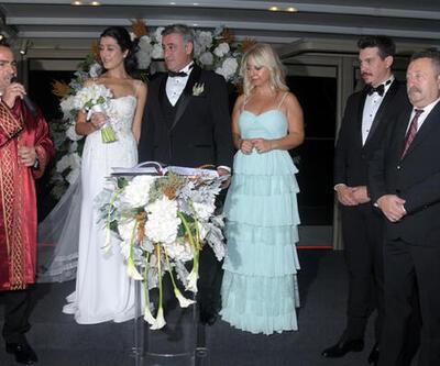Oyuncu Turgut Tuncalp sevgilisi İlayda Atmaca ile evlendi
