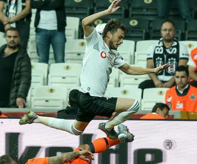 Beşiktaşlı Adem Ljajic stadı terk etti