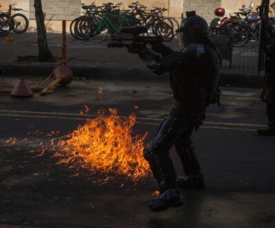 Kolombiya'da öğrencilerle polis çatıştı: Yaralılar var