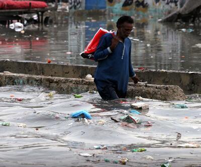 Sel felaketi can aldı! Sular altında kaldılar