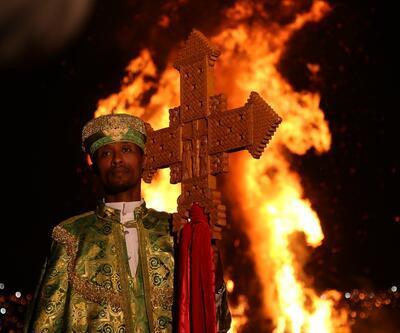 Yüzyıllardır süren gelenek! Şenlik ateşi yakıldı